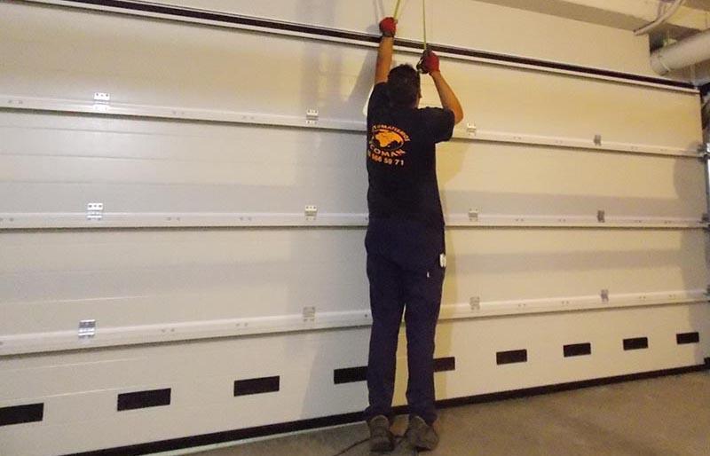 Automatismos Ecoman te ofrece un servicio de instalación de puertas automáticas